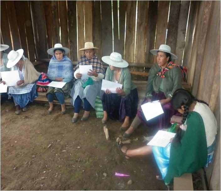 Versammlung einer Gruppe Mütter
